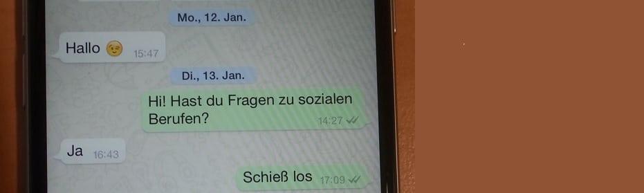Das Bild zeigt einen Screenshot von einem iPhone 6, in dem ein Chat aus dem WhatsApp Kundenservice, der WhatsApp Karriereberatung geöffnet ist.