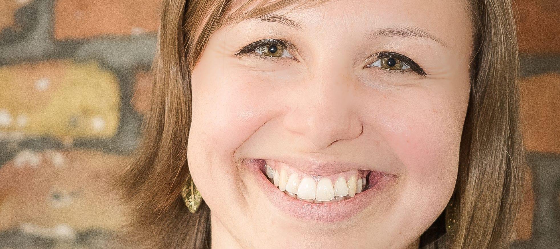 Kennt sich aus mit Führungskräftegewinnung, Führungskräfte gewinnen: Annika Behrendt von talents4good (auf dem Bild zu sehen)