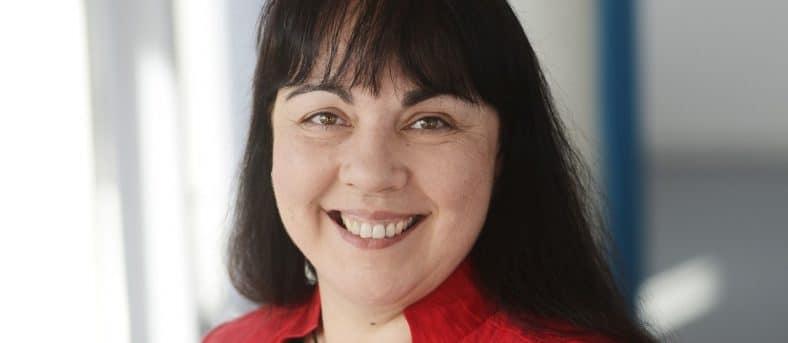 Annette Lauber (auf dem Foto zu sehen) berichtet über die Interkulturelle Pflege Ausbildung.