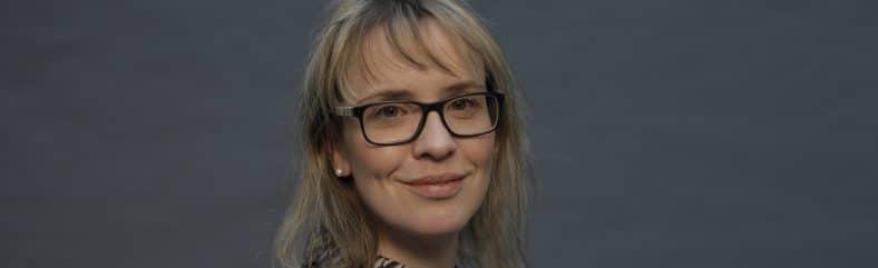 Andrea Zander von der Diakonie Leipzig (siehe Foto) berichtet über WhatsApp Business, Active Sourcing, Talentwunder, Talentry, Mitarbeitermpfehlungsprogramm, Mitarbeiter werben Mitarbeiter.