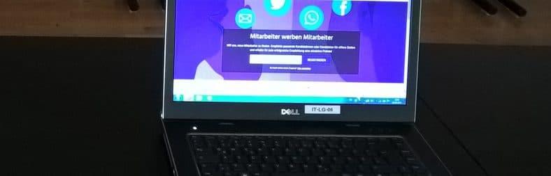 """Das """"Mitarbeiter werben Mitarbeiter""""-Programm der Diakonie Düsseldorf auf dem Laptop: Anmeldemaske"""