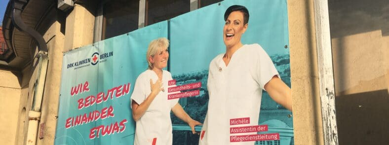 Zaunbanner der DRK Kliniken Berlin - HR Excellence Award Gewinner